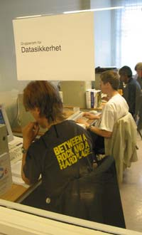 cybercamp_jul2002b.jpg
